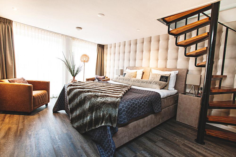 b b haarlem city attic haarlem bed breakfast. Black Bedroom Furniture Sets. Home Design Ideas